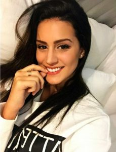 Sexxy Larissa Bonesi