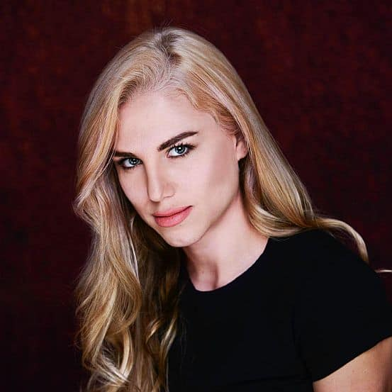 Yana Gold height and weight