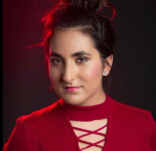 Actress Katerina Lecourezos Image