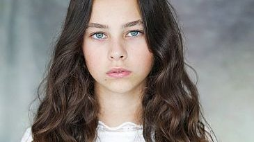 Actress Beau Gadsdon Image